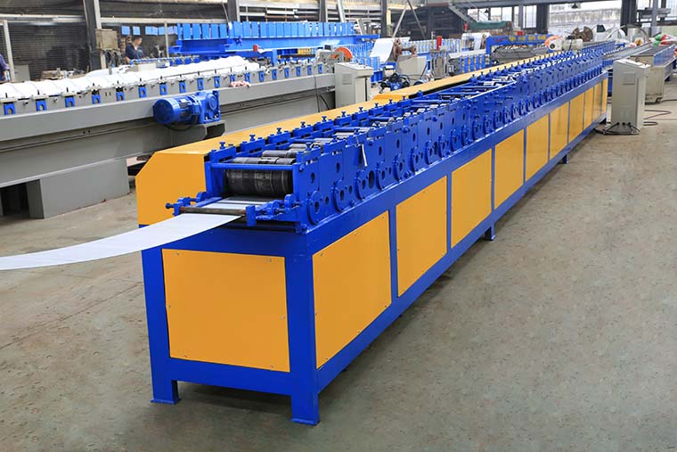 T Profile Rolling Shutter Door Machine