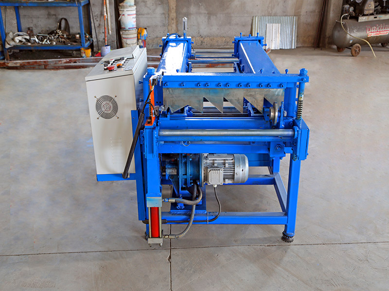 Standing seam wall forming machine