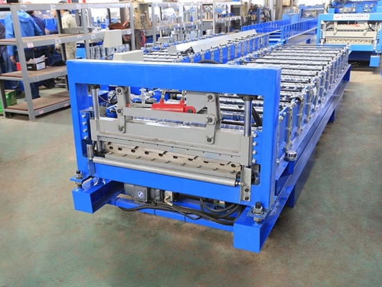 YX24-840 Roof Panel Forming Machine